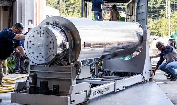 Oak Ridge To Begin Tests On Westinghouse Rods
